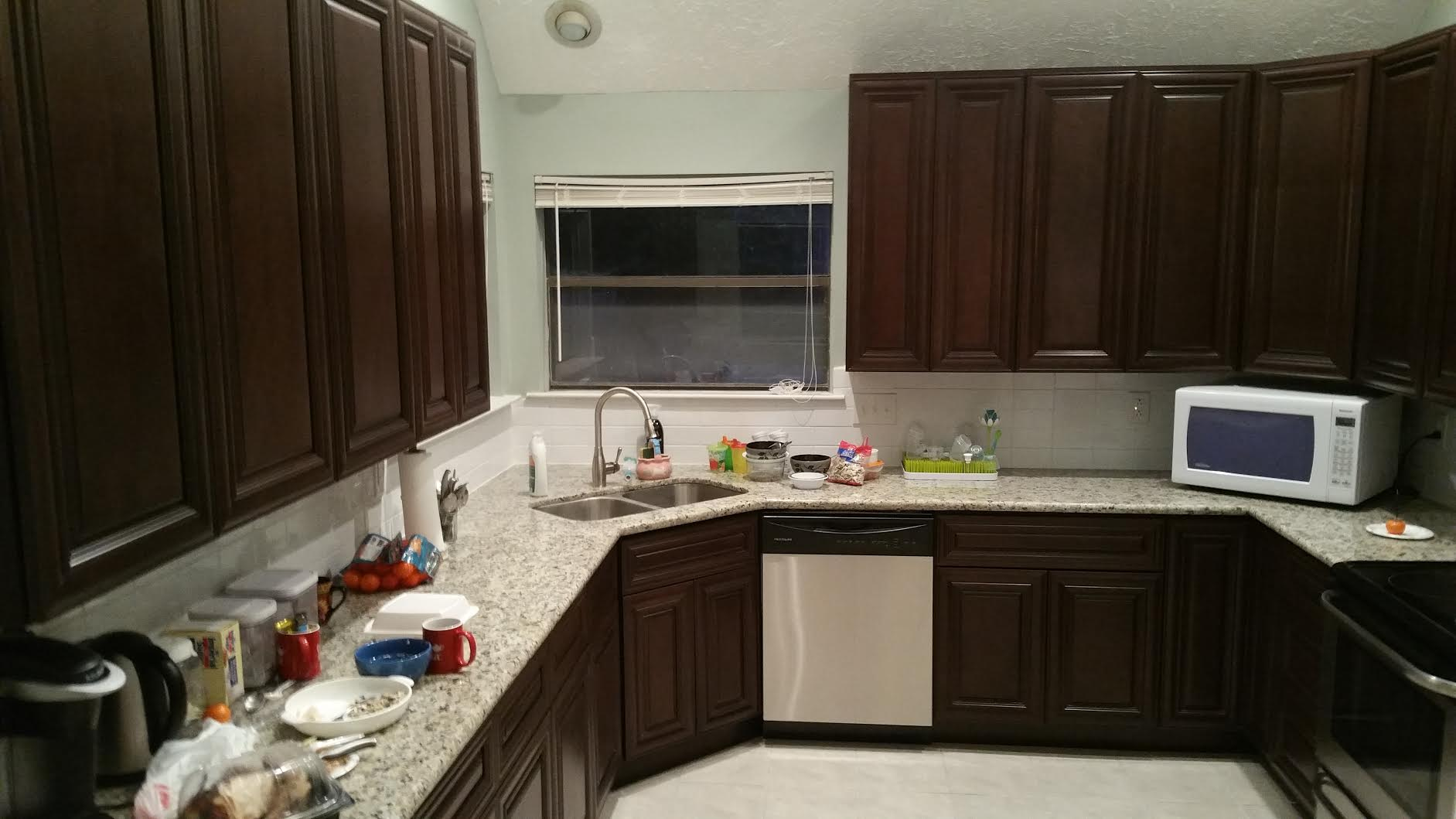 Houston remodeling contractors just finished this kitchen for Kitchen remodeling companies