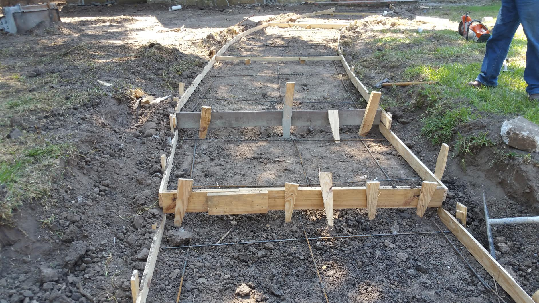 Houston Remodeling Contractors Installs New Front Sidewalk